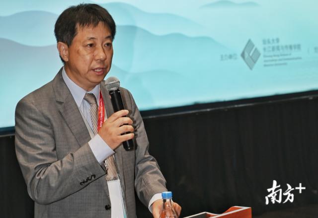 众彩网长江新闻与传播学院院长刘昶。