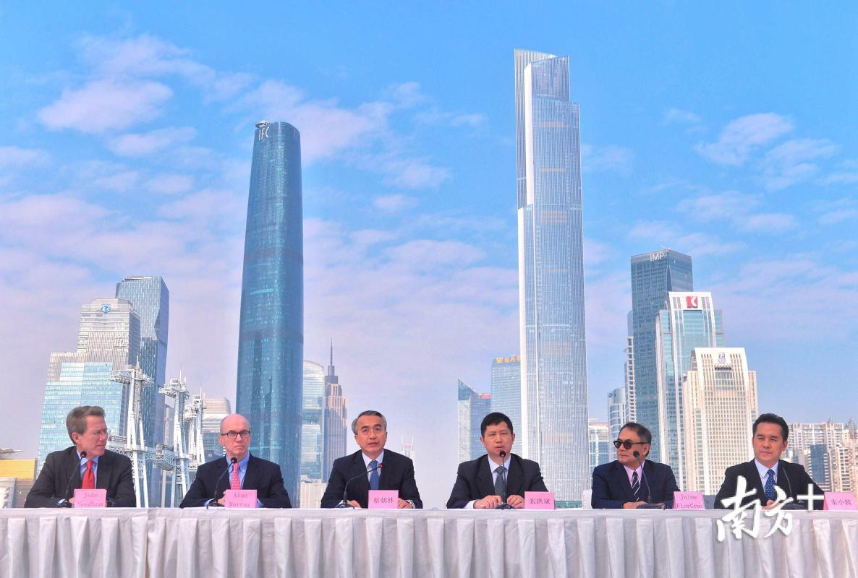 12月3日,2017广州《财富》全球论坛新闻发布会在广州塔二楼室外平台举行。南方日报记者 肖雄 见习记者 董天健 摄