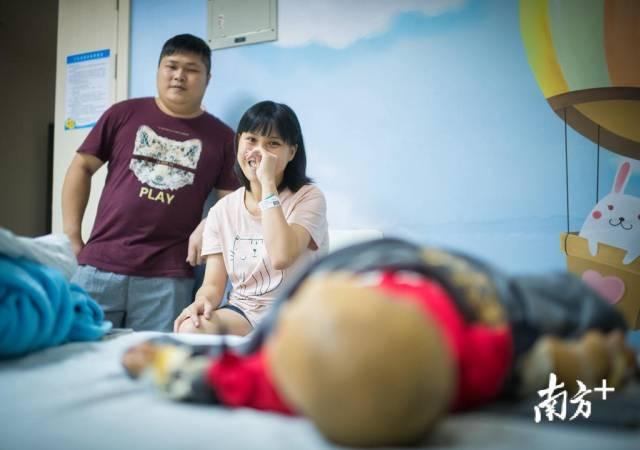 5月10日晚,吴雯雯回忆起宝宝的患病历程,鼻子一酸。