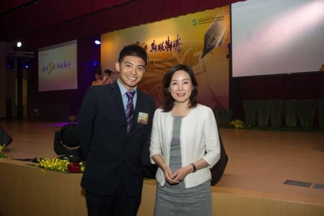 朱健齐与台湾知名企业家合影。