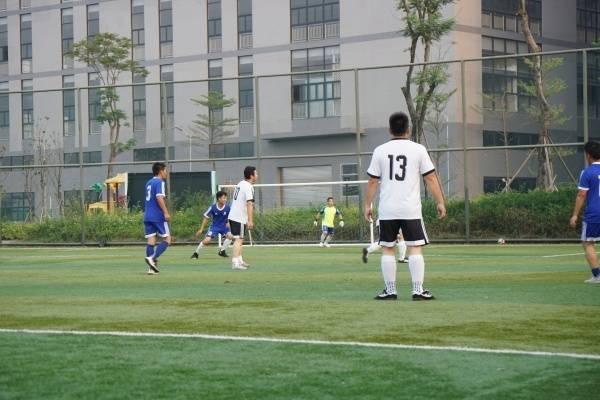 近日,順德高新區首屆産業社區運動嘉年華的足球賽展開激烈角逐。通訊員供圖