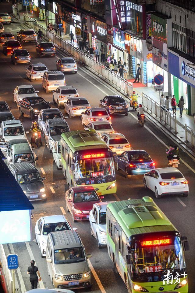 城市规划是否优化,对城市交通有着至关重要的影响。 全媒体记者 曾亮超 摄