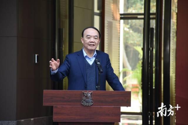全国人大常委会委员、中国化学会理事长、中国科学院姚建年院士任省实验室主任。