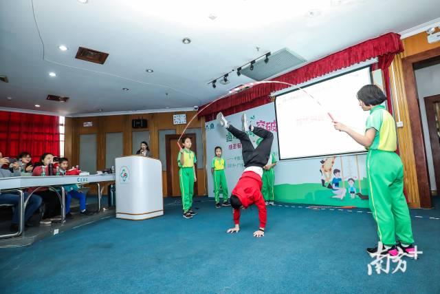 专家推荐跳绳有益于促进身高发育。