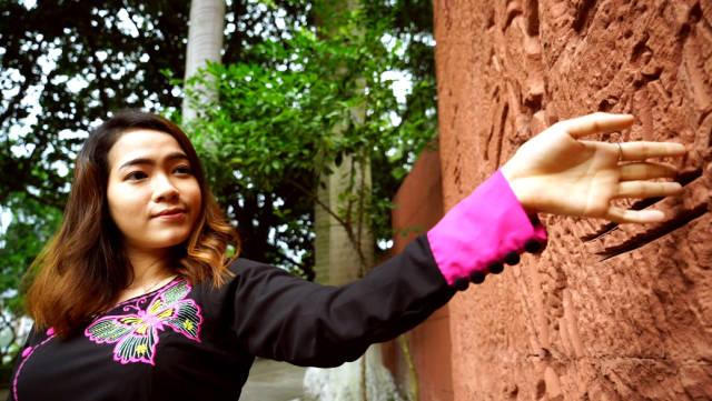 苏雪蓉立志投身华文教育,用汉语搭建中国和缅甸沟通的桥梁。