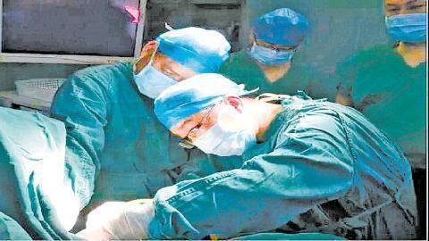 中山六院援疆專家推廣TaTME手術 保肛切除低位直腸癌