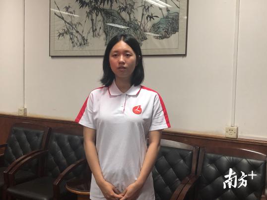 李兆基中学考生杜宇婧跻身全省文科前50名。蒋晓敏摄