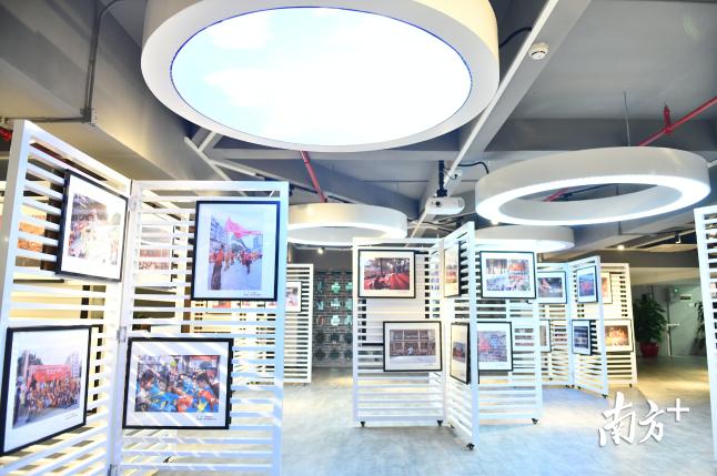 文化馆内的多功能展厅。戴嘉信摄