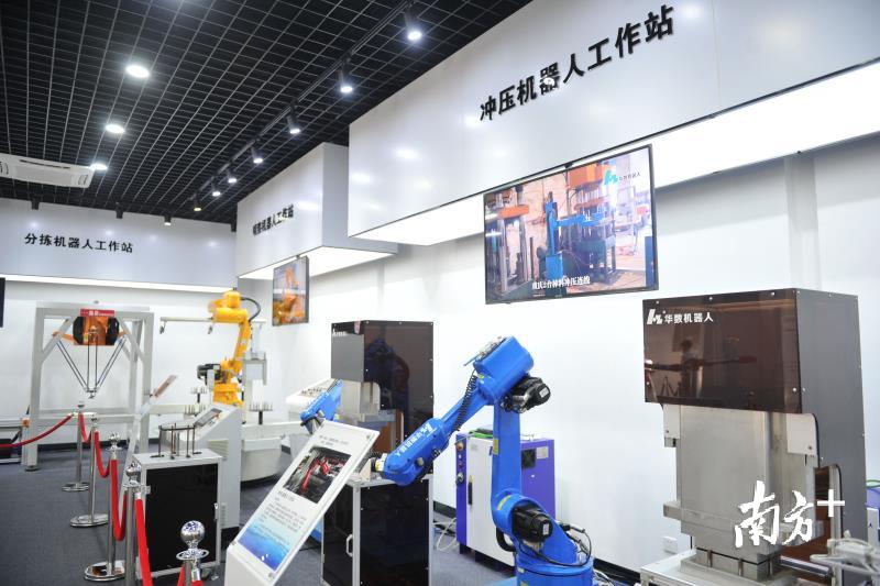 在佛高区内,以华数机器人为代表的机器人产业发展形势良好。戴嘉信摄