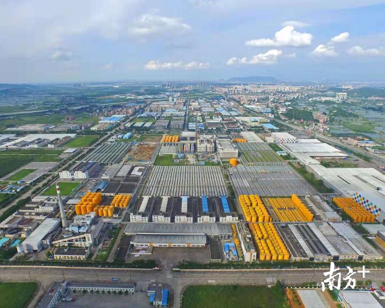 高明年内将出台企业高质量发展综合评价体系,促进企业高质量发展。图为沧江工业园。资料图片