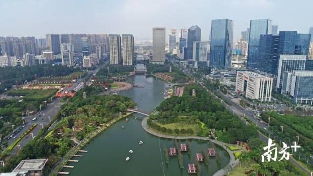 广东金融高新区位于南海千灯湖。南方+记者 戴嘉信 摄