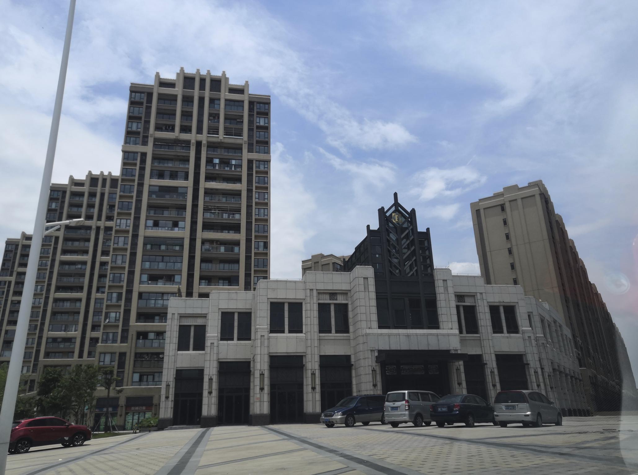 随着城市化发展,海口村推进的海湾城项目成为禅西最早的高端住宅区之一 。孙景锋 摄