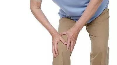 老人膝痛可别忍,膝关节炎可致残