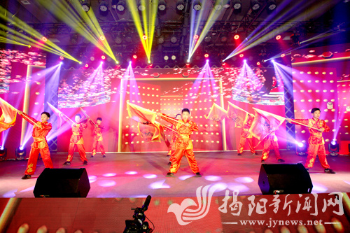 迎春文化节节目表演。通讯员 摄