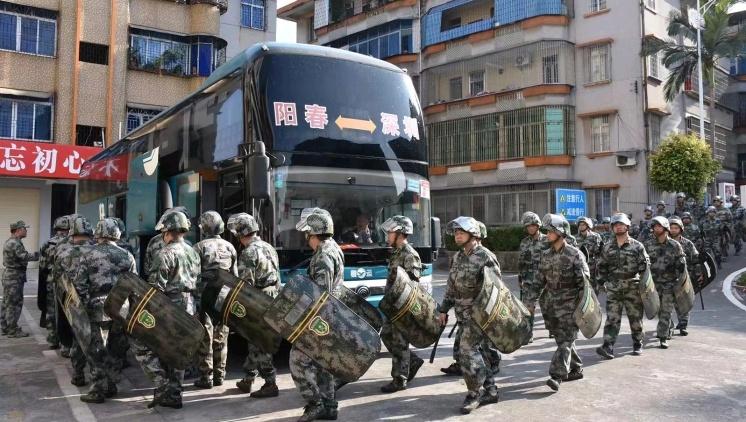 护航春运!阳春市组织民兵应急力量紧急出动演练