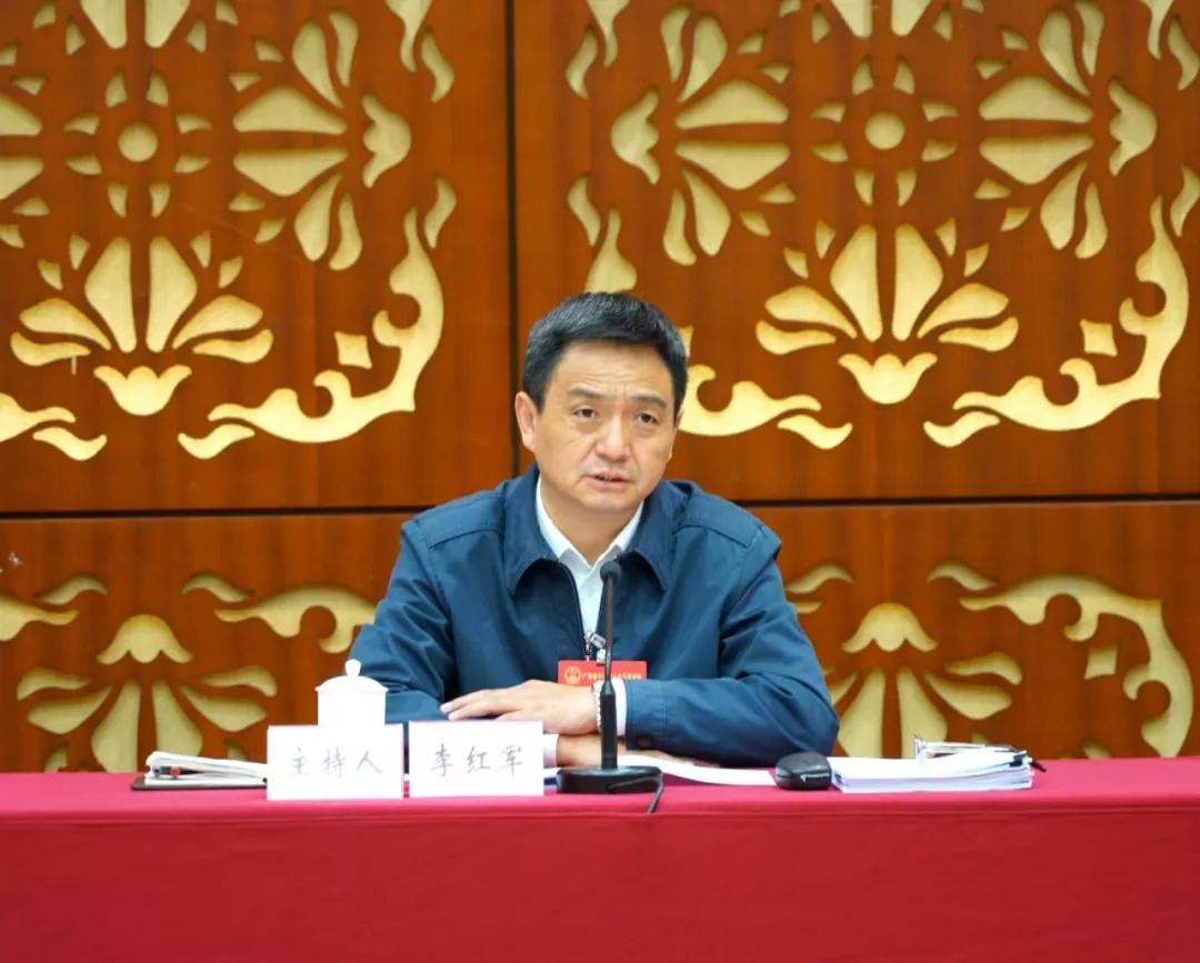 韶关市委书记李红军在韶关代表团媒体开放日上回答记者提问。
