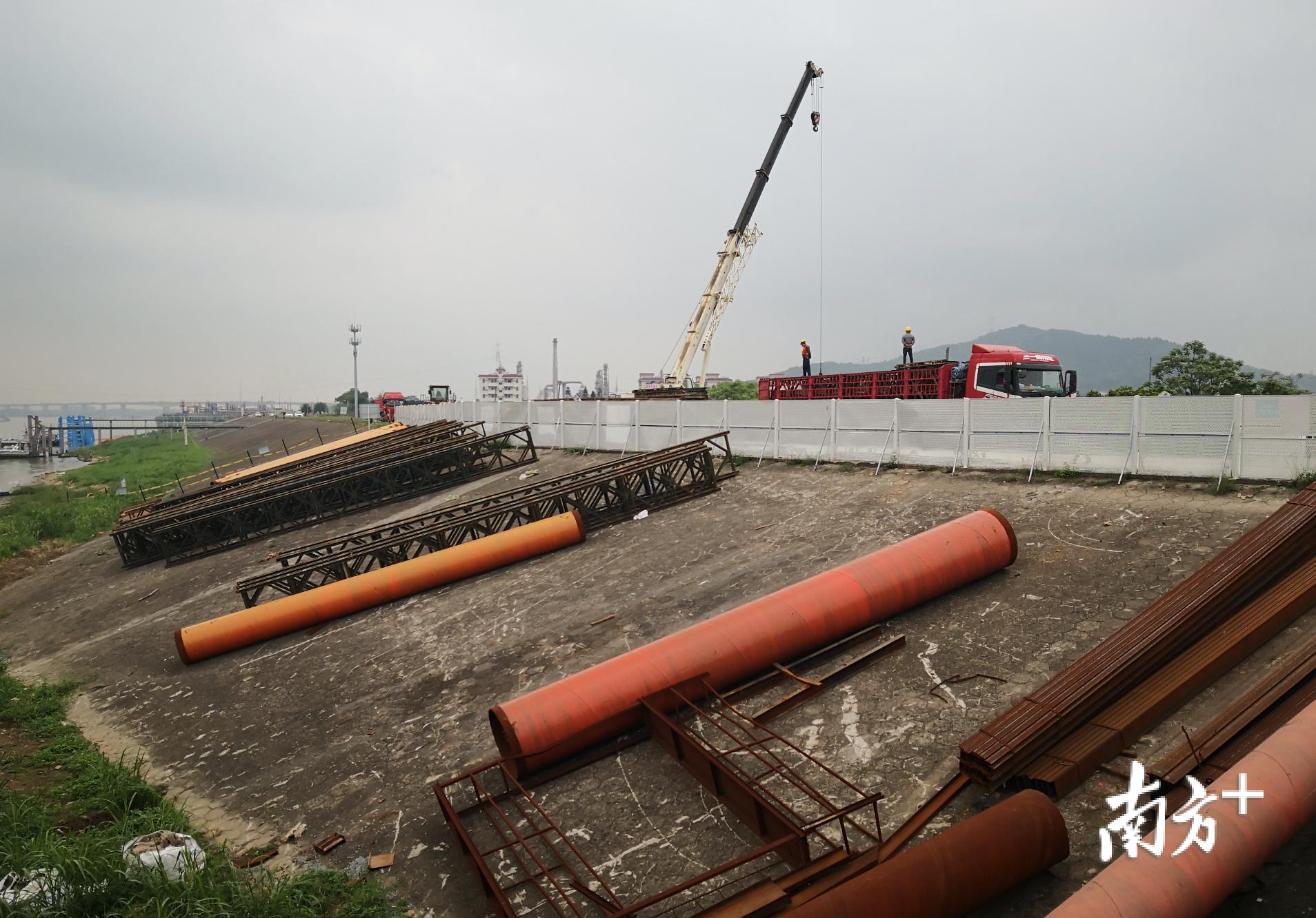富龙西江特大桥工地。盛正挺 摄