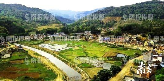 通过精准帮扶,东源县涧头镇大往村的巨变今非昔比。 冯晓铭 摄