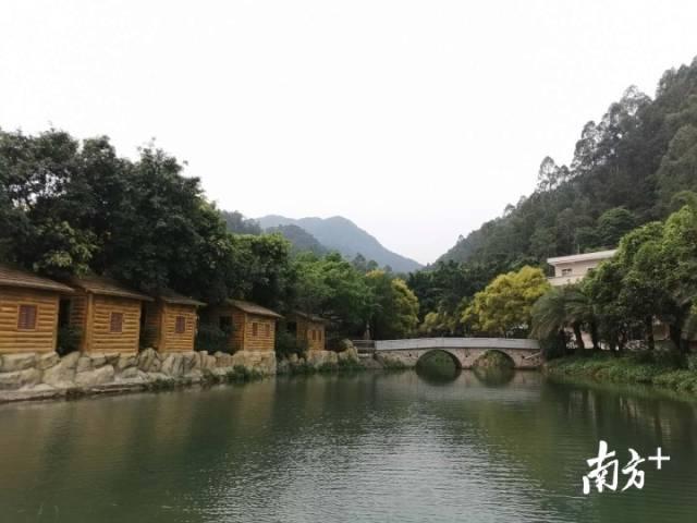 漂流项目是九道谷风景区的主打产品。