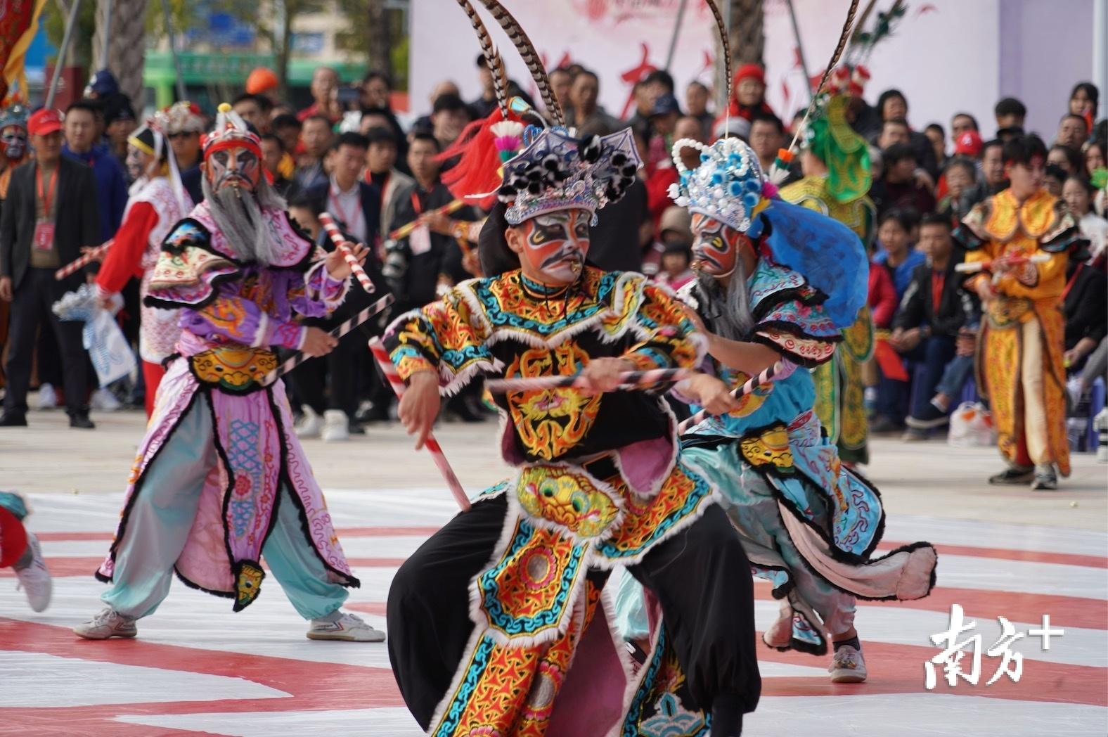 英歌舞是国家级非物质文化遗产、潮汕文化的重要代表。受访者供图
