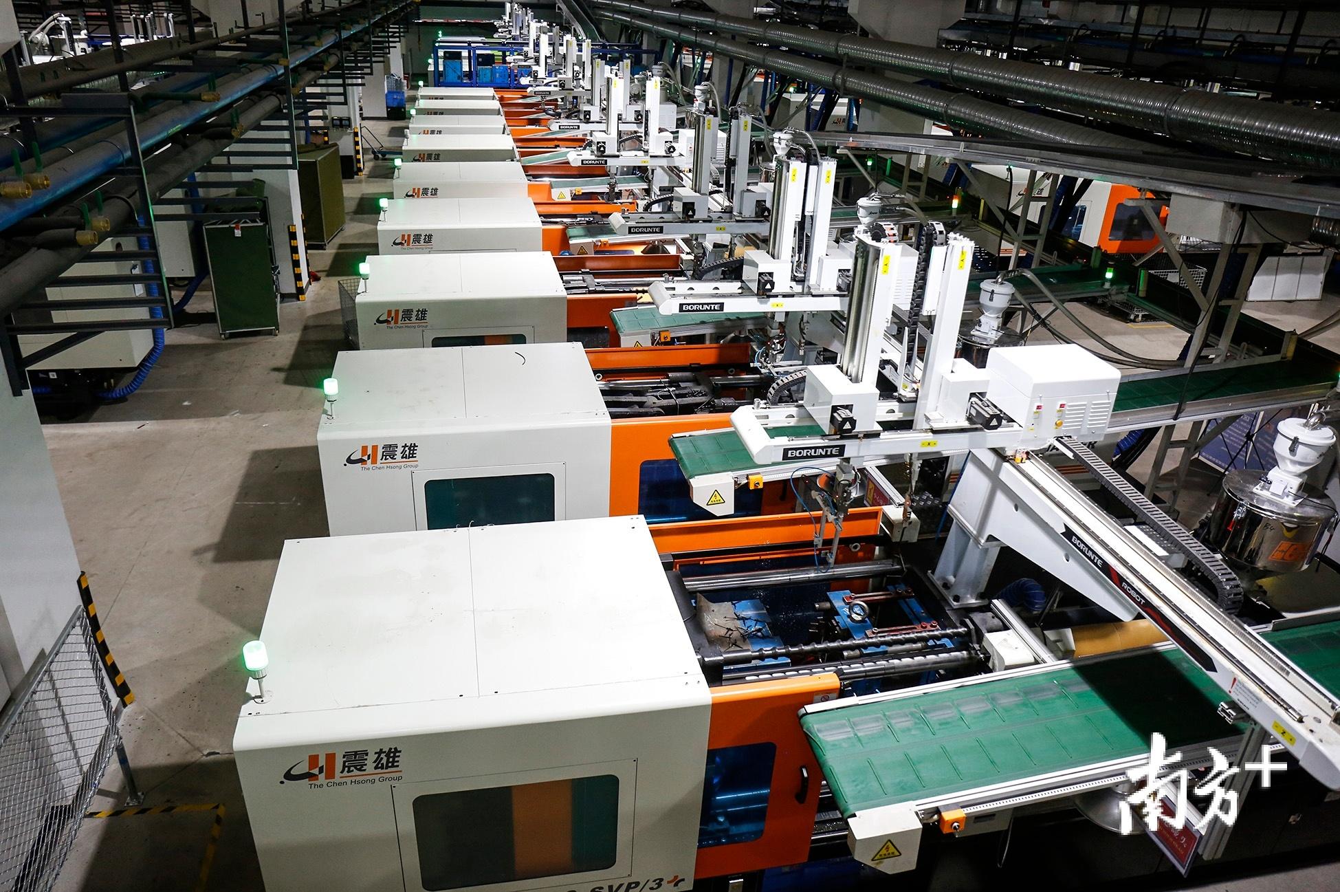伊莱特智能家电制造基地生产线。