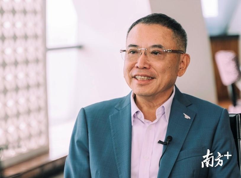 全国人大代表李东生接受南方日报、南方+等媒体联合采访。南方日报记者王昌辉摄影