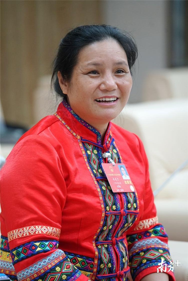 全国人大代表、连山壮族瑶族自治县小三江镇中和电站运行工韦庆兰。梁素雅 摄