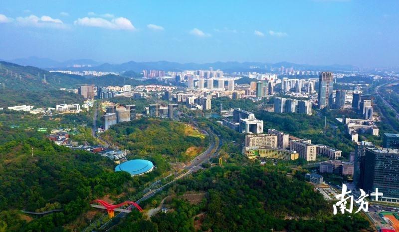 到2023年,广州科学城要实现五个方面大变化。图为广州科学城航拍图。李剑锋 摄