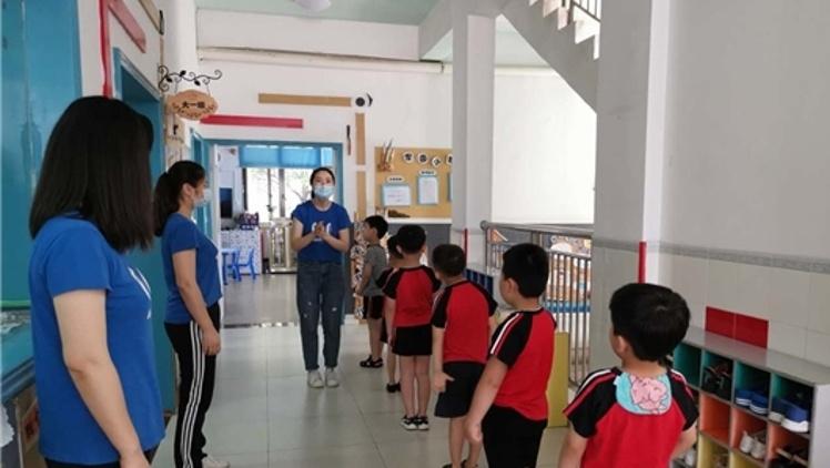 直击惠州幼儿园开园:萌娃入园可摘口罩(附视频)