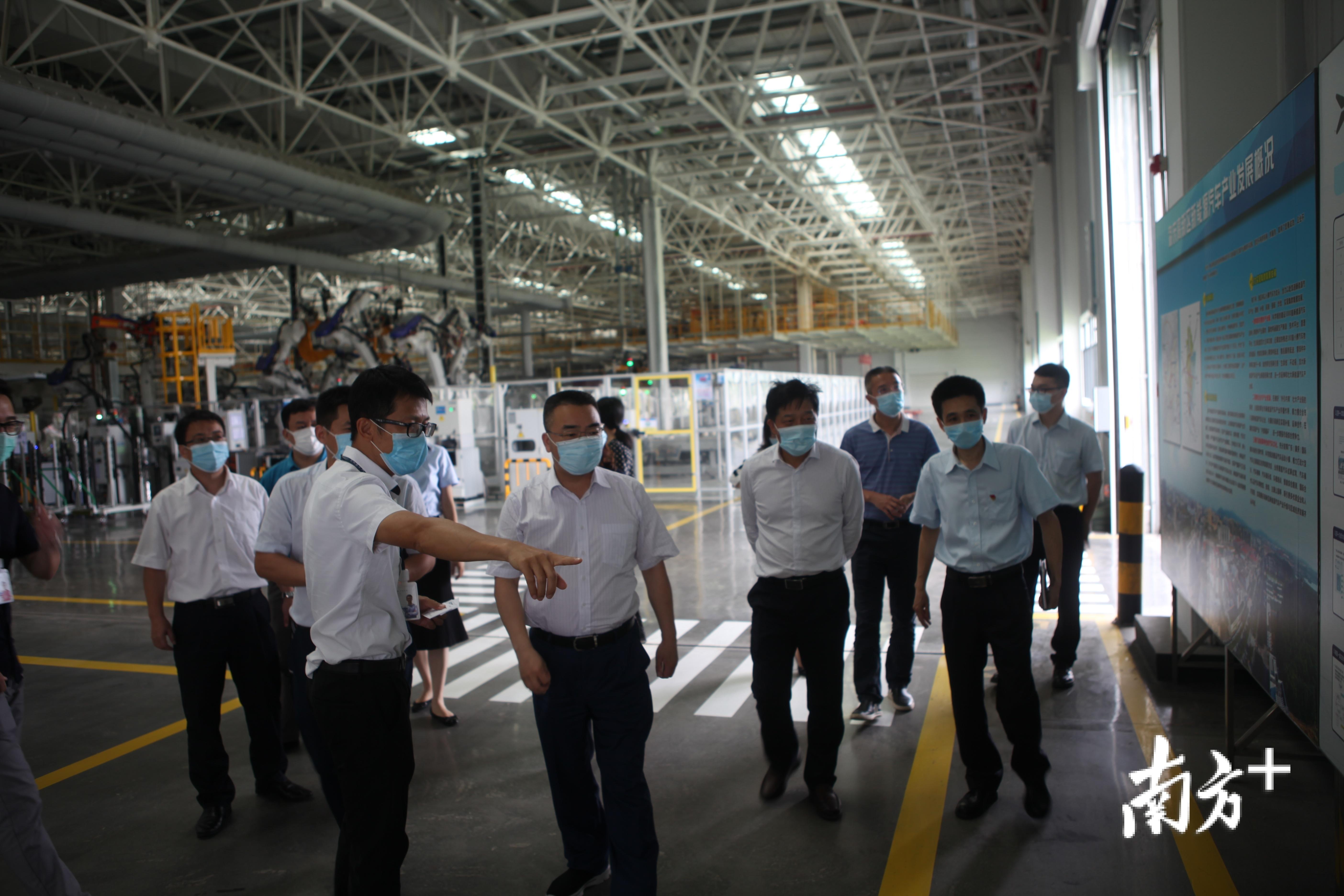 肇庆建行服务团队走进企业了解复工复产资金需求。肇庆建行供图