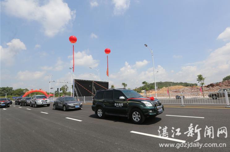 廉江市人民大道西延伸线竣工。 记者 欧阳泽 摄
