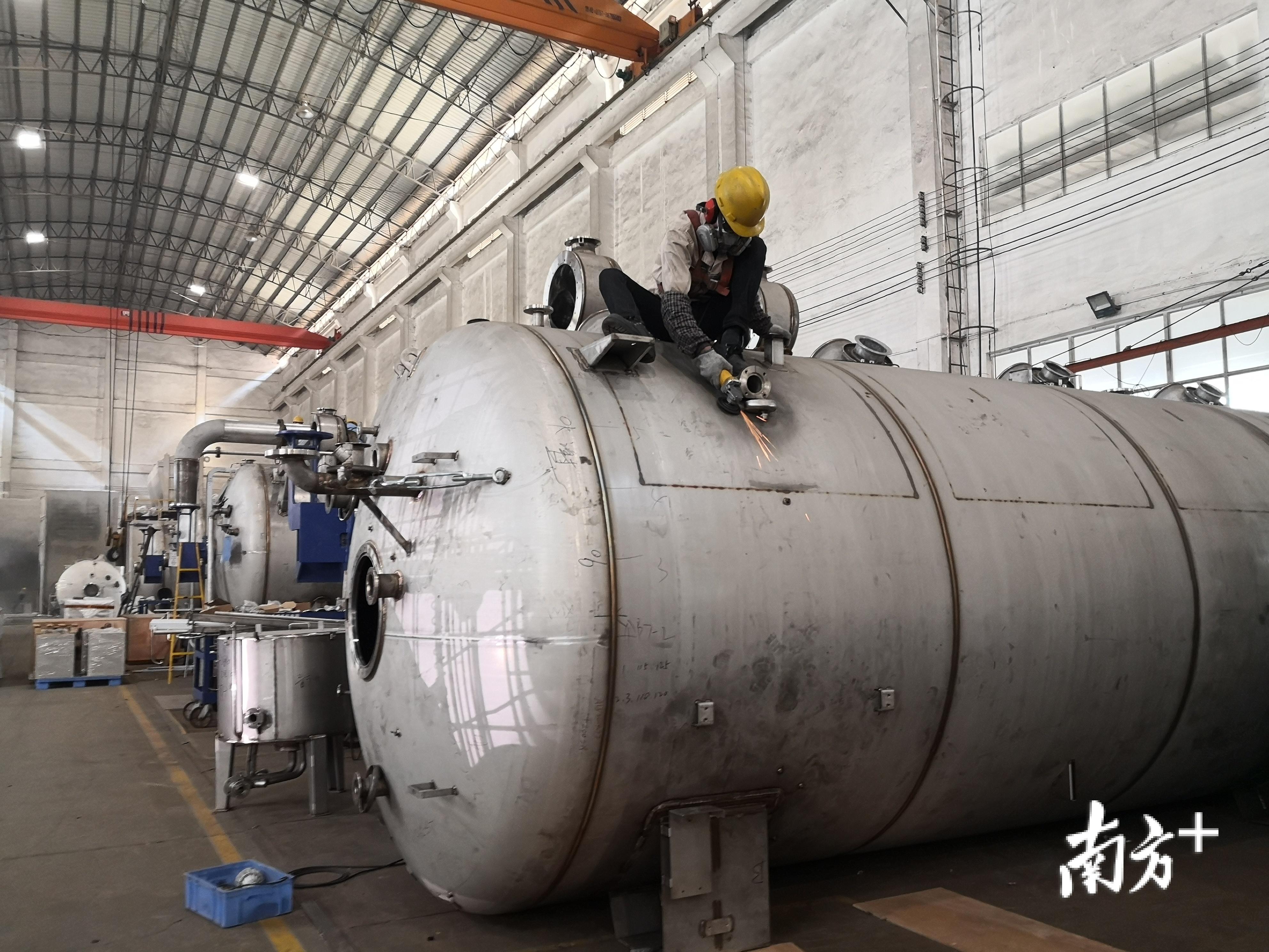 三技精机计划将事业部和部分生产线迁回禅城,并斥资10亿元打造印染整体设备智能装备制造基地。罗湛贤 摄