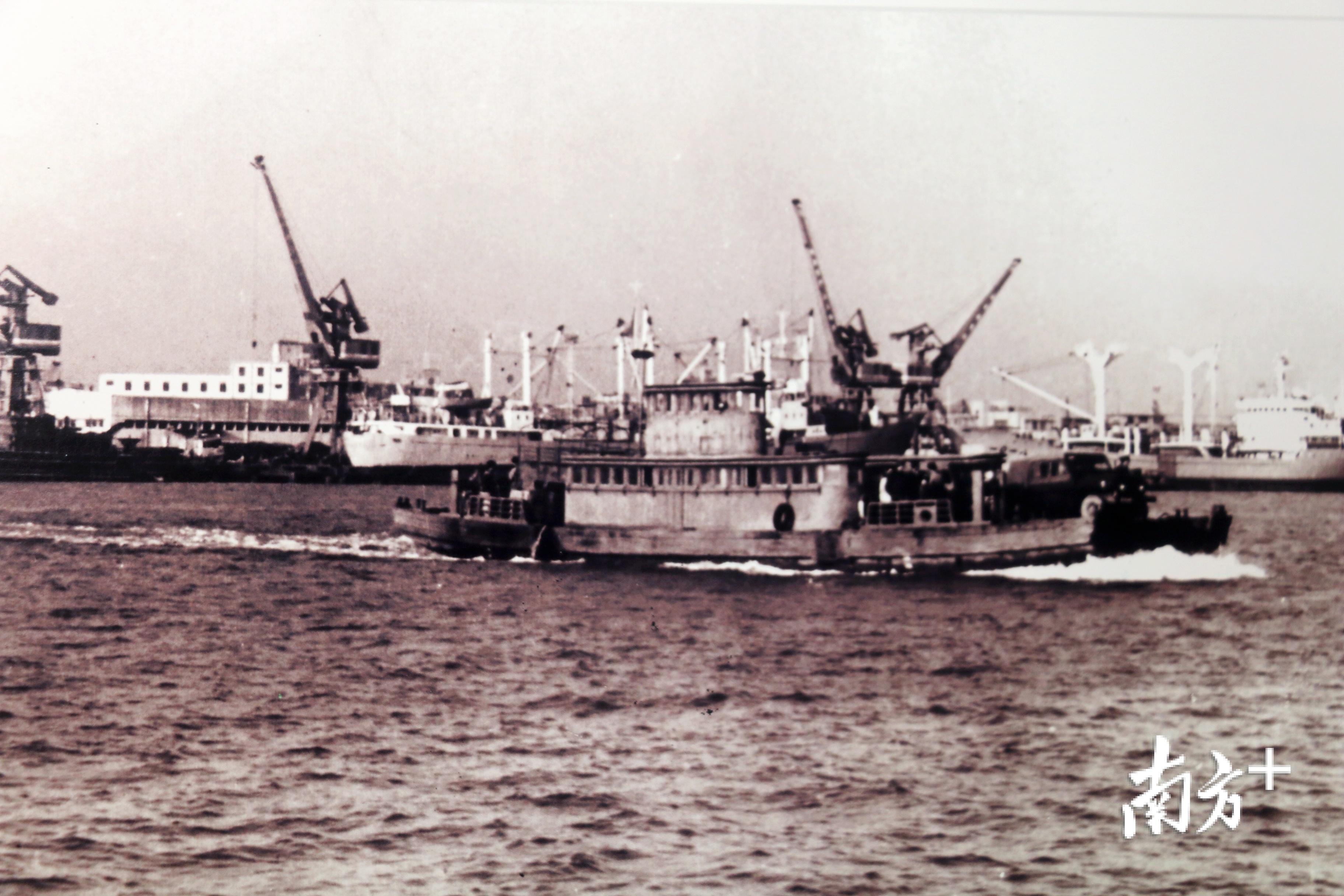 1997年,汕头港建成两个5000吨级杂粮兼集装箱码头,改扩建3号码头为5000吨级、3000吨级码头各一个。张伟炜 翻拍