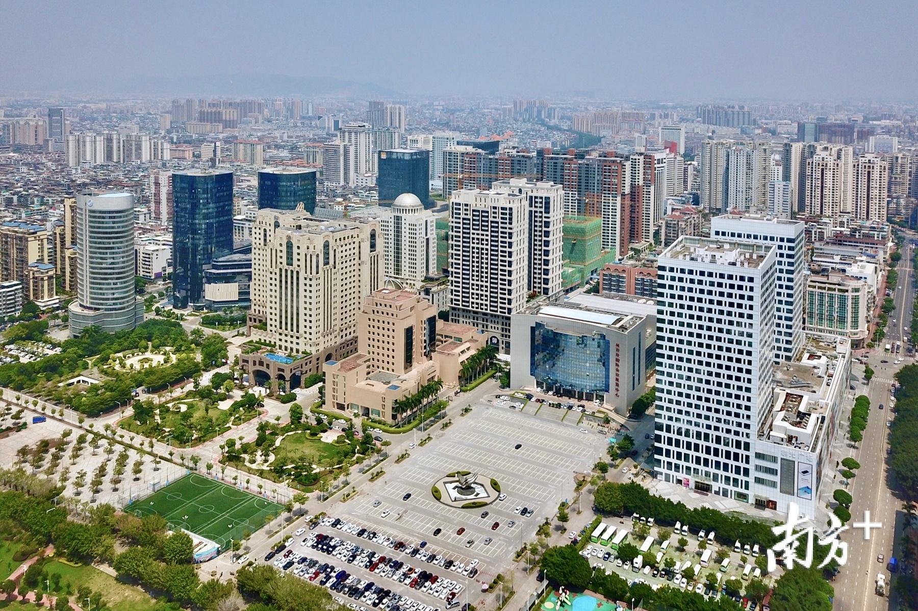 汕头经济特区用好两个权,服务经济社会发展。杨立轩 摄