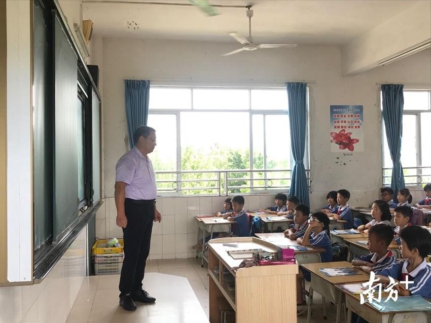 为确保充分发挥华中师范大学优质教育资源的辐射、示范和引领作用。贺欢 摄
