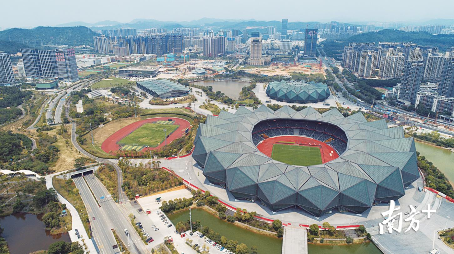 大运中心成华南首个获得腾讯电竞推荐的大型体育场馆。南方日报记者 朱洪波 摄