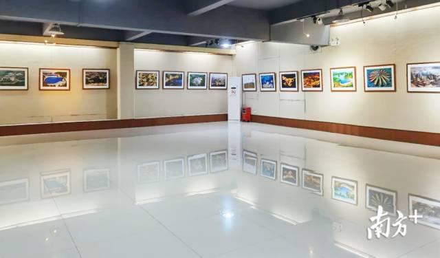 """""""五彩凉山,诗意回响——郭建良彝族风情摄影展""""将在佛山市三水区文化馆展出至10月15日。"""