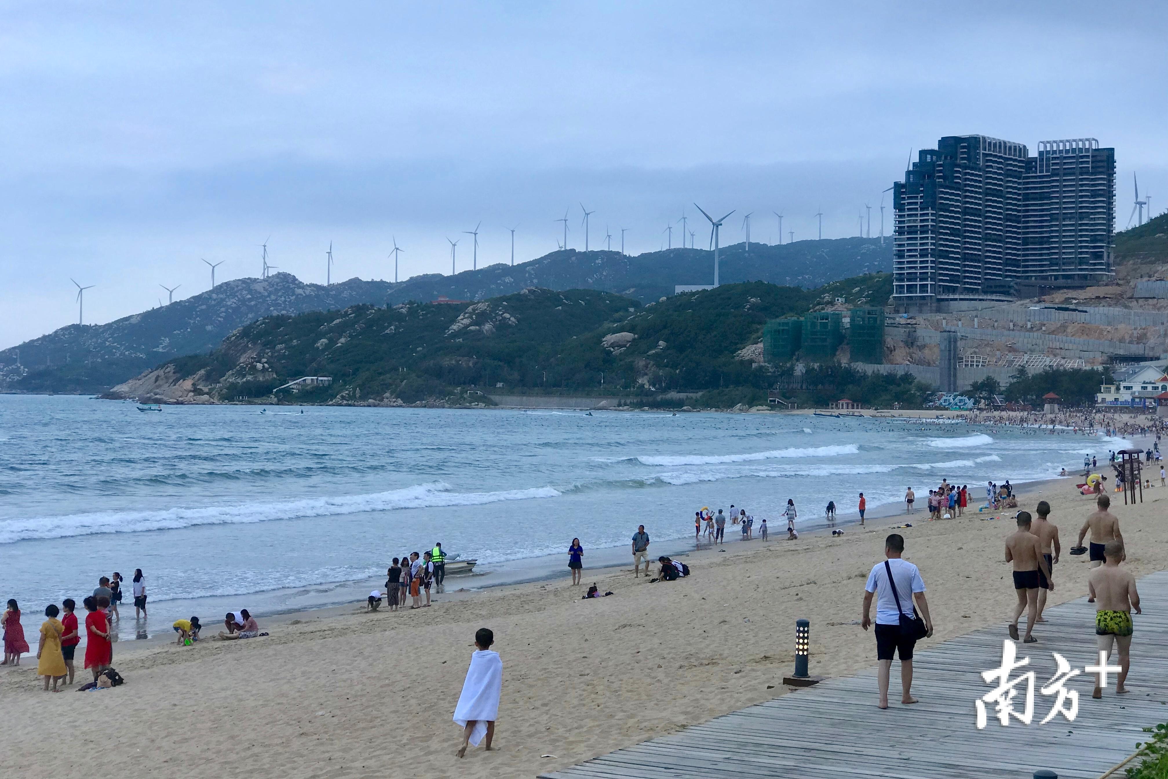 40年来,南澳的风电经济随特区发展而稳步增长。杨立轩 摄.