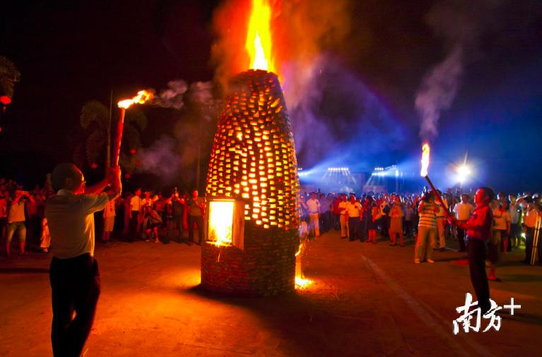 烧番塔是丹灶的重要传统民俗活动。 丹灶宣办供图