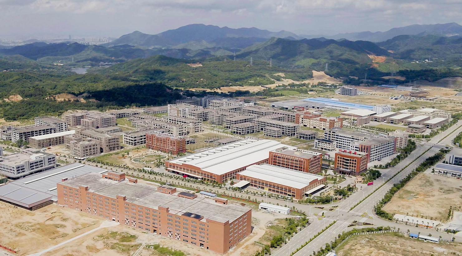 凤泉湖产业园区集聚效应明显。纪金娜 摄