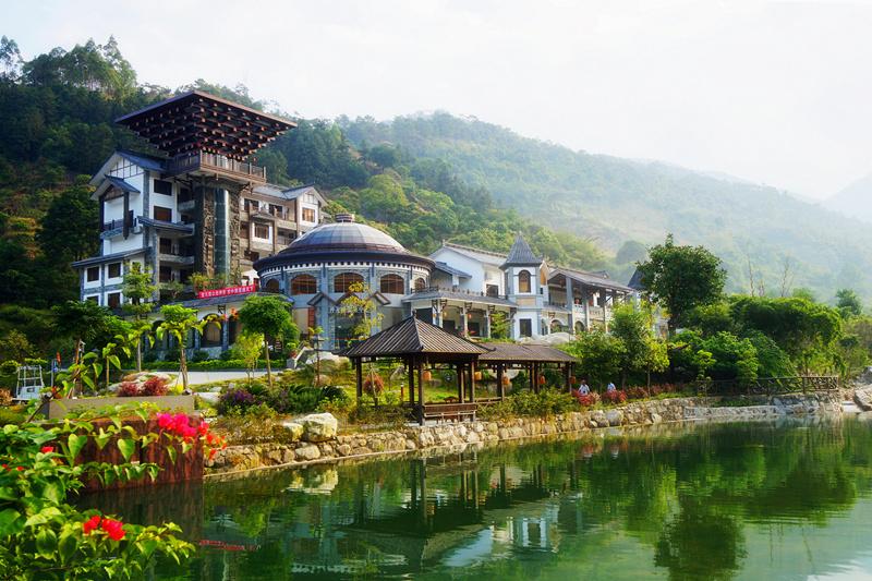 天露山旅游度假区。(来源:新兴县旅游局)