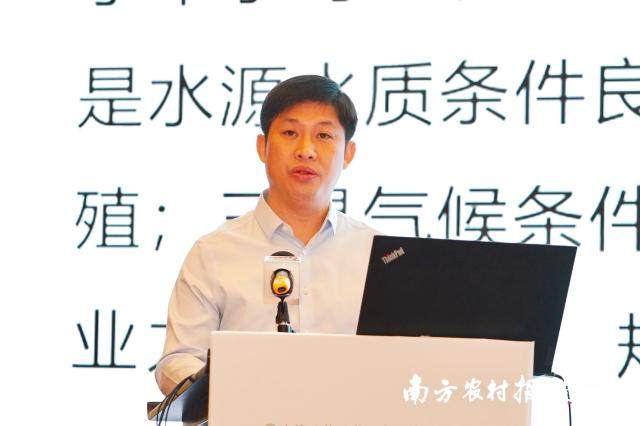 都安瑶族自治县党委常委、常务副县长杨波